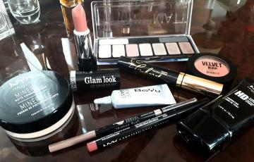 Fill makeup inexpensive high-quality products: I advise to buy the total amount of 3,700 rubles