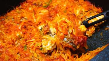 Fish in cabbage pickle.