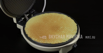 "Wafer rolls ""Mama."" Recipe of the automatic disconnection to the old waffle iron"
