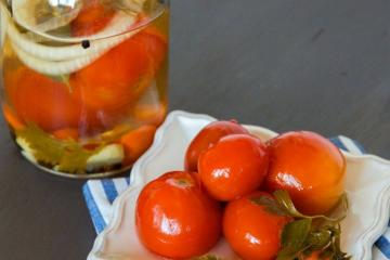 "Marinated tomatoes in the winter ""Yum"""