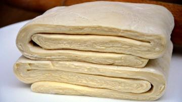 Flaky homemade dough: for cakes, samosas, pies and other pastries
