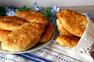 Fried pies with interesting fillings by grandmother's recipe