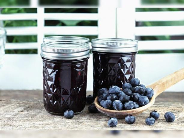 Blueberry jam. Photos - Yandex. Images